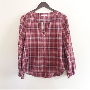 ‼️NWT Madewell V-neck button down shirt‼️